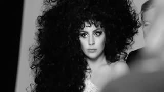Lady Gaga bất ngờ dịu dàng bên cạnh danh ca Tony Bennett - Lệ Quyên