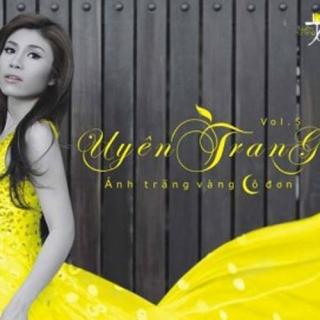Ánh Trăng Vàng Cô Đơn - Uyên Trang