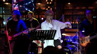 Take Me To The River (Live) - Vicky Nhung