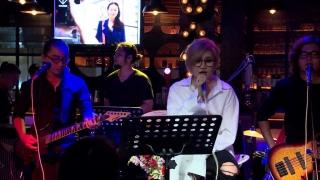 Mashup I'm Yours - Nói Đi Mà - Một Nhà (Live) - Vicky Nhung