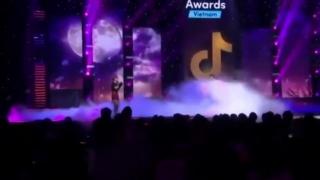 Nguyệt Hạ Tiền Hoa (Live) - Hồ Quang Hiếu