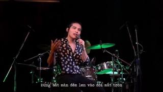 Chia Cách Bình Yên (Live) - Quốc Thiên